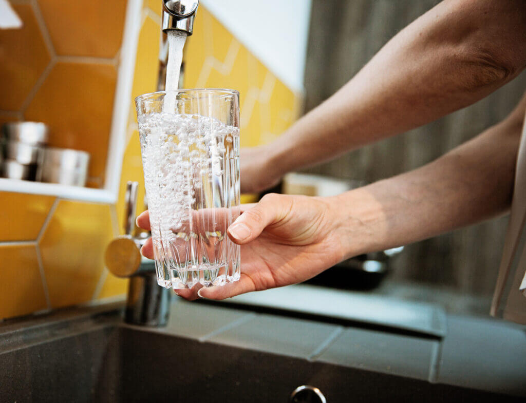 filling-glass-with-filtered-water-water-filtration